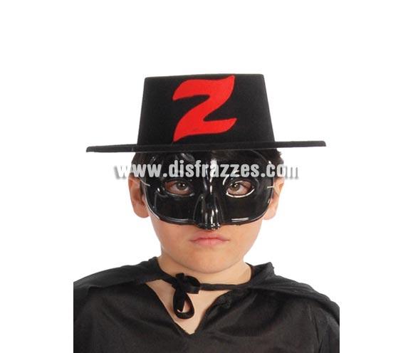 Sombrero de plástico flocado bandido infantil. La letra Z es de color blanco. Perfecto como complemento si vas a disfrazar a tu hijo de El Zorro.