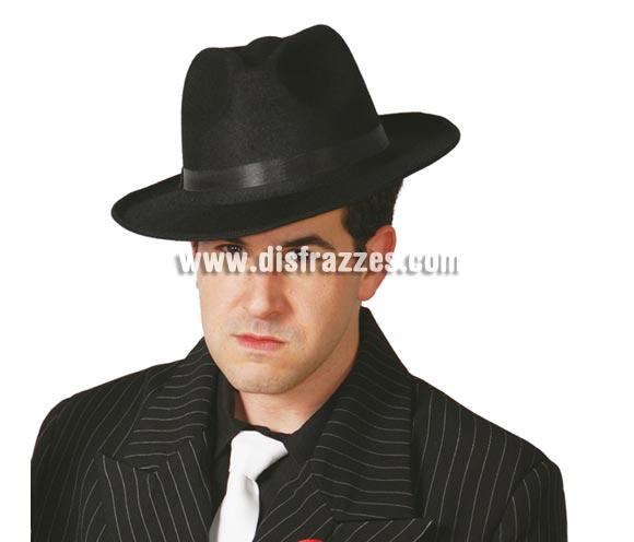 Sombrero tipo Ganster de terciopelo negro. También sirve para el disfraz de Michael Jackson.
