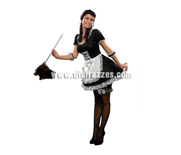 Disfraz de Sirvienta para mujer. Talla standar M-L= 38/42. Incluye vestido, pajarita y 2 muñequeras. Perfecto también para Despedidas de Soltera.