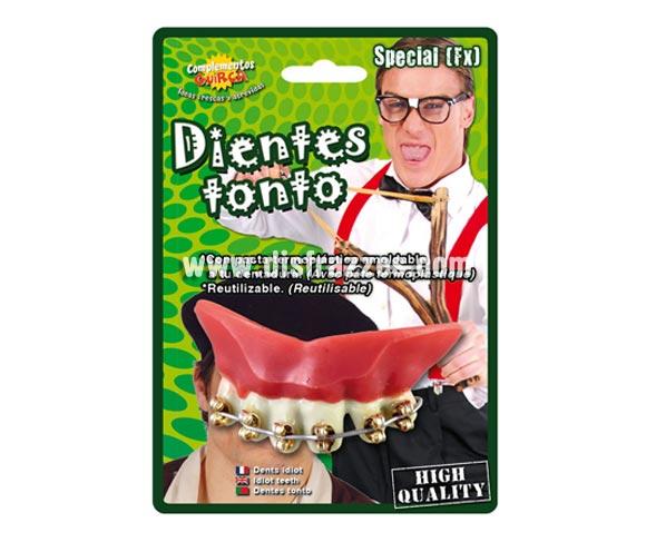 Dientes o dentadura de Hierro aparato de Ortodoncia. Dentadura con Brackets.