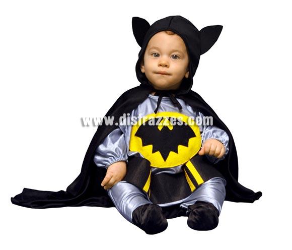Disfraz super barato de Super Murciélago para Bebés de 6-12 meses. Incluye cinturón, pantalón, camisa y capa con capucha. Con éste disfraz tu niño será tu superhéroe particular y pensarás que estás custodiada por el mismísimo Batman, jejeje, está para comérselo.