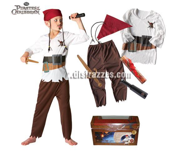 Cofre con disfraz y accesorios Piratas del Caribe para niños de 3 a 5 años. Incluye disfraz, daga, telescopio, mapa y bandana para el pelo. Artículo con licencia DISNEY perfecto para regalar en Navidad.