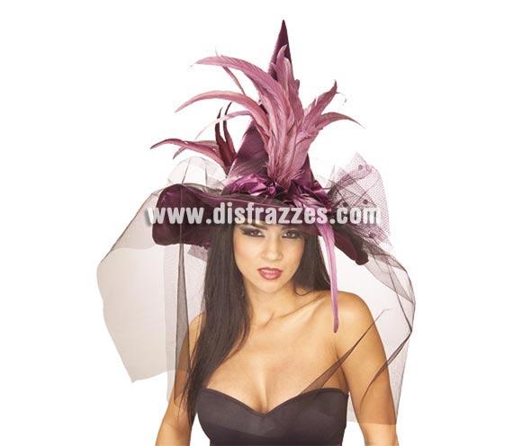 Sombrero de Bruja lila con velo y plumas Halloween. Precioso sombrero de Bruja para destacar en Halloween. El tono del sombrero es mas oscuro que en la imagen.