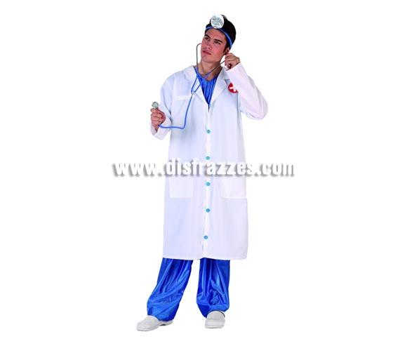 Disfraz de Médico para hombre. Talla 2 ó talla standar M-L 52/54. Incluye pantalón, bata y complemento cabeza. Complementos NO incluidos, Podrás encontrar en nuestra sección de Complementos.