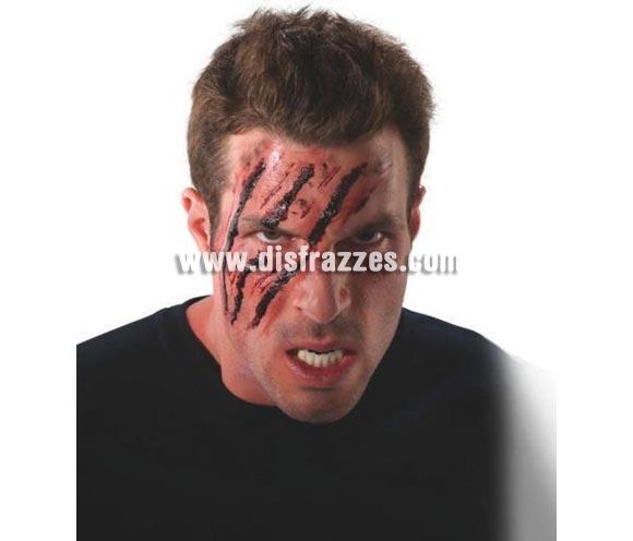 Gel Sangre FX. Artículo de Maquillaje FX ideal para caracterizarte. Sangre en formato gel para aplicarlo sobre la piel y conseguir un muy real efecto de sangre coagulada. Perfecto para conseguir tu terrible look sangriento.