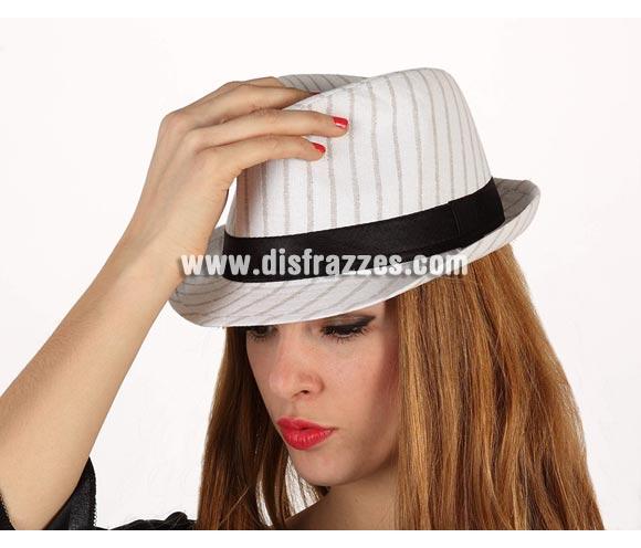 Sombrero Ganster blanco con rayas y con cinta negra.