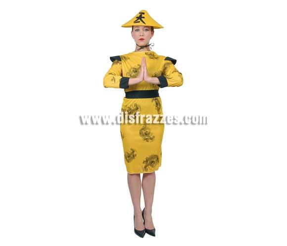 Disfraz barato de China amarillo para mujer. Talla standar válida hasta la 42/44. Incluye kimono y cinturón. Sombrero NO incluido, podrás verlo en la sección de Complemtentos. Incluye un sombrero pero que no se parece al de la imagen, es como de hada, con forma de sombrero Nazareno.