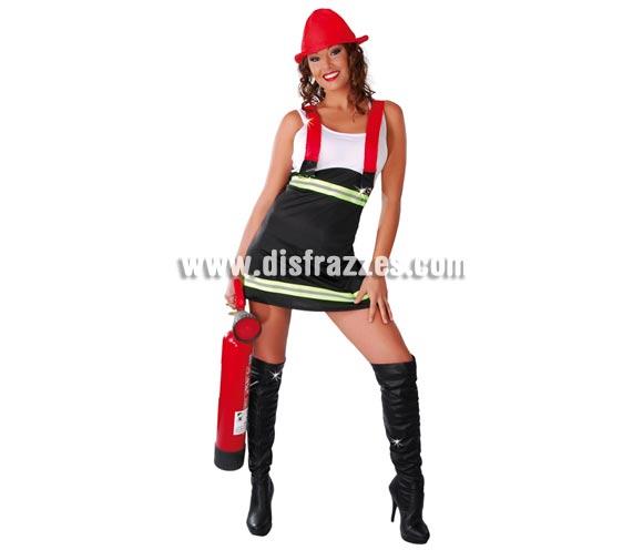 Disfraz barato de Bombera sexy para mujer. Talla standar válida hasta la 42/44. Incluye gorro, vestido y tirantes. Bandas reflectantes. Tenemos un extintor hichable el cual podrás ver en la sección de Complementos con la ref. 05296BT.