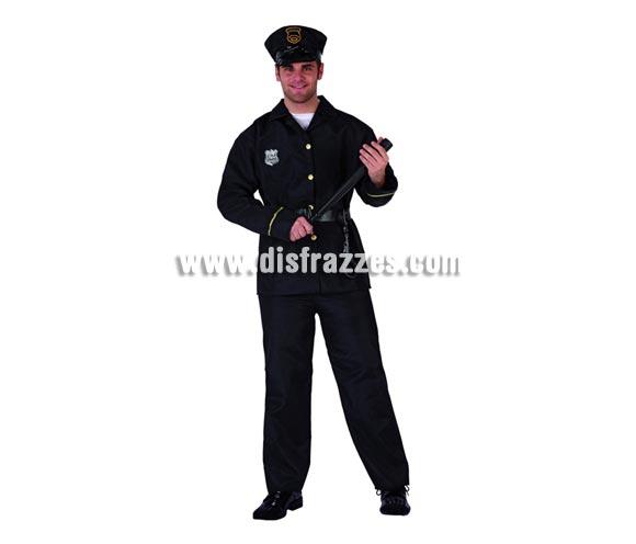 Disfraz de Policía para hombre. Talla 2 ó talla standar M-L = 52/54. Incluye pantalón, chaqueta, cinturón y gorra. Porra y esposas NO incluidas, podrás encontrar en nuestra sección de Complementos.