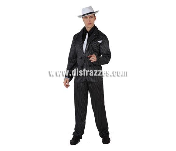 Disfraz de Ganster Mafioso para hombre. Talla 2 ó talla standar M-L = 52/54. Incluye disfraz completo. Sombrero NO inlcuido, podrás encontrar en nuestra sección de Complementos.