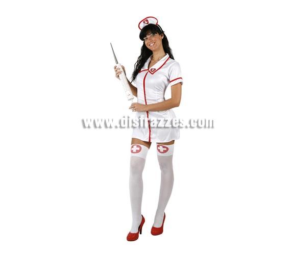Disfraz de Enfermera Sexy para mujer. Talla 3 ó talla XL 44/48. Incluye vestido y cofia. Jeringuilla NO incluida, podrás encontrar en nuestra sección de Complementos.