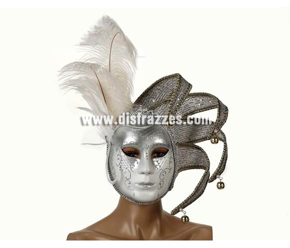 Máscara Veneciana Plateada de 23x17 cm. con cascabeles y plumas blancas. Talla Universal.