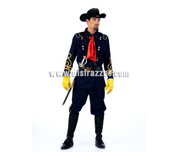 Disfraz de Soldado Americano Deluxe para hombre. Alta calidad, hecho en España. Disponible en varias tallas. Incluye chaqueta, pantalón, cubrebotas, pañuelo y sombrero. Guantes NO incluidos. Disfraz del Séptimo de Caballería especial Deluxe para caballero.
