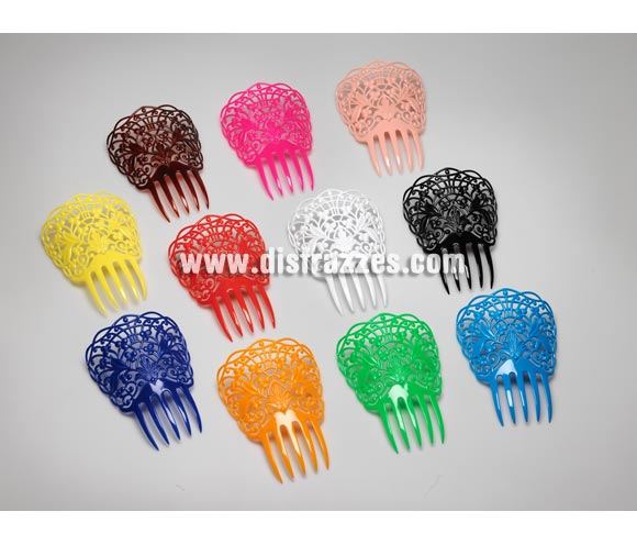 Peineta grande de 19x17 cm. de plástico.  Colores variados, se venden por separado, precio por unidad. Ideal como complemento para disfraces de Sevillana, Flamenca, Faralae, Gitana, etc.