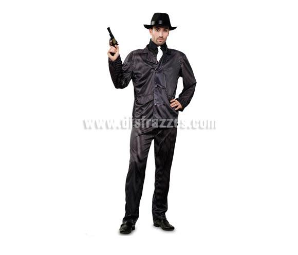 Disfraz barato de Ganster para hombre. Talla  standar M-L 52/54. Incluye camisa, corbata, chaqueta y pantalón. Sombrero NO incluido, podrás verlos en la sección de Complementos en Sombreros, gorros y Diademas. Disfraz de Alcapone adulto.