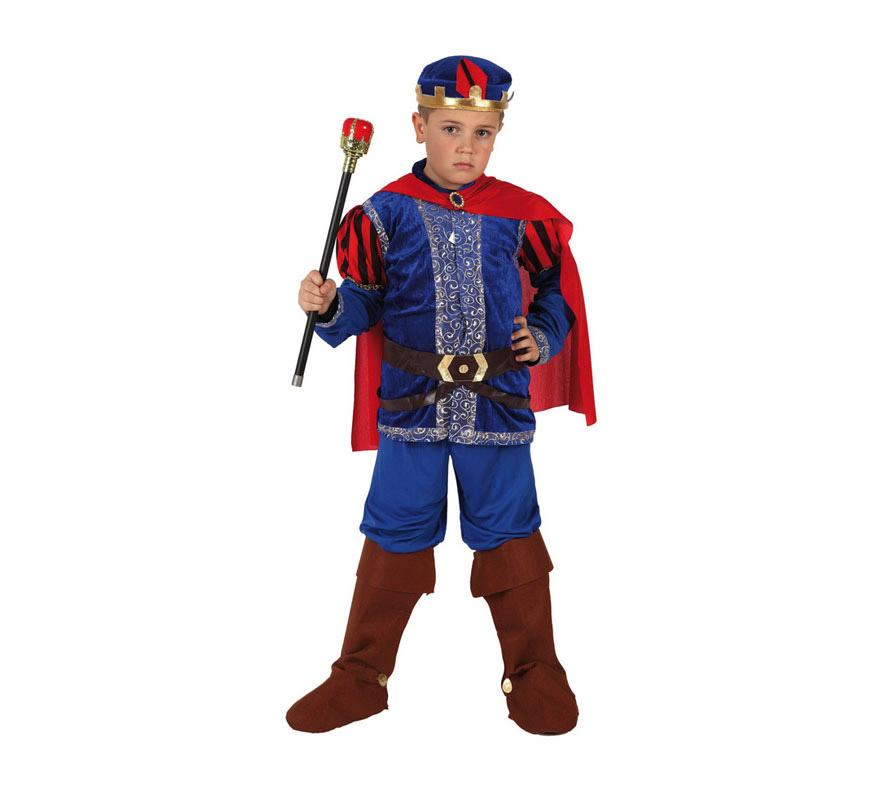 Disfraz de Príncipe Medieval para niños de 7 a 9 años. Incluye disfraz completo SIN cetro. El cetro lo podrás encontrar en la sección de Complementos. Disfraz de Príncipe de cuento Azul para niños.