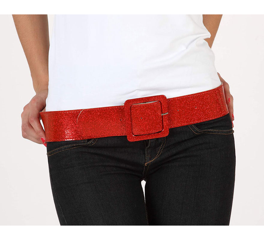 Cinturón o Correa brillante de color rojo. Ideal como complemento de los disfraces de los años 60, 70 y 80.