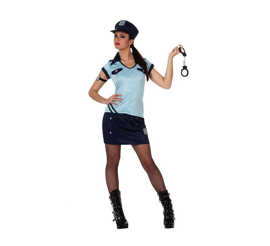 Disfraz de Chica Policía para mujer. Talla 2 ó talla Standar M-L 38/42. Incluye falda, camisa, gorro y placa del brazo. Esposas NO incluidas, podrás verlas en la sección de Complementos. Éste tipo de disfraz se usa mucho en Despedidas de Soltera.
