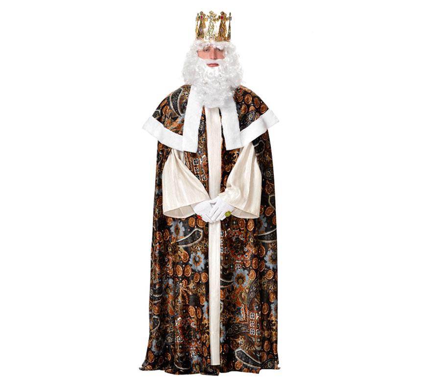 Traje o Disfraz de Rey Mago Melchor adulto. Talla 52 Universal de adultos. Incluye túnica, capelina y capa. Resto de accesorios NO incluidos, podrás verlos en la sección de Complementos. Éste traje es perfecto para Ayuntamientos y Asociaciones de Reyes Magos para usarlo varios años. Fabricado en España.