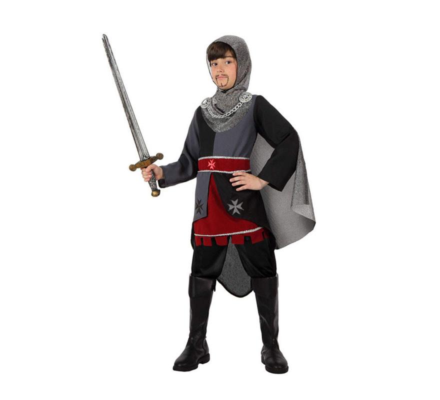 Disfraz de Caballero Medieval para niño de 5 a 6 años. Incluye disfraz SIN botas y SIN espada. Podrás ver varias espadas en la seción de Complementos.