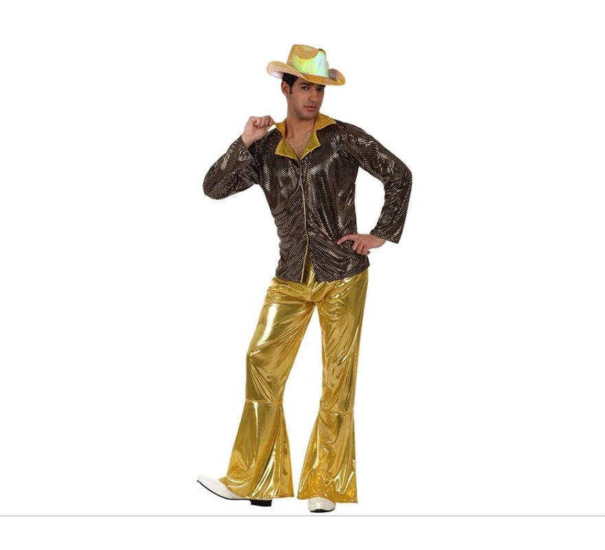 Disfraz de Chico de la Disco dorado para hombre. Talla 3 ó talla XL 54/58. Incluye pantalón y camisa. Sombrero NO incluido, podrás verlo en la sección de Complementos. Éste disfraz sin el sombrero es perfecto para disfrazarse del mítico grupo musical ABBA, tan conocido y Discotequero el los años 70-80.