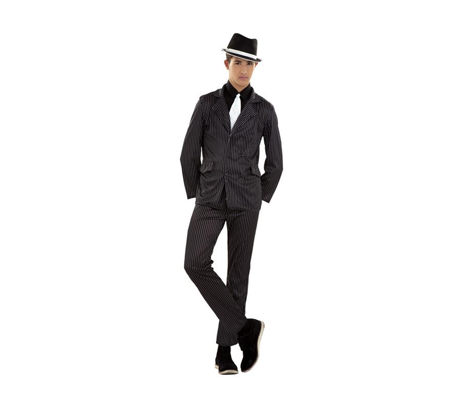 Disfraz barato de Ganster para chicos. Talla S 48/52 para chicos delgados y adolescentes. Incluye camisa con corbata, chaqueta y pantalón. Sombrero NO incluido, podrás verlos en la sección de Complementos. Disfraz de Alcapone adulto.