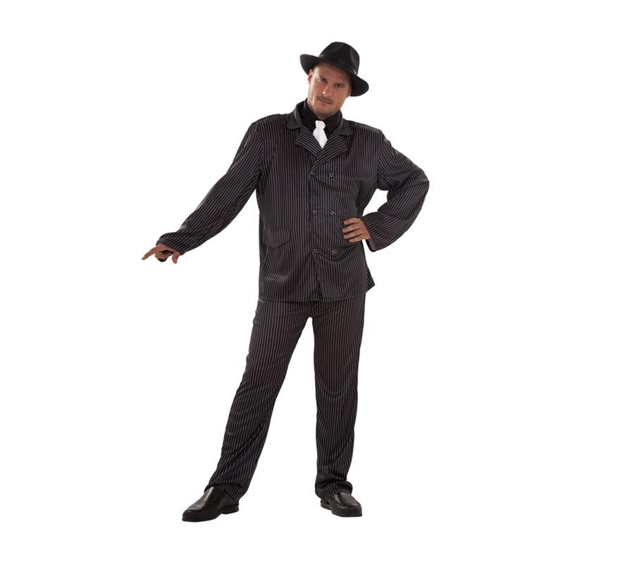 Disfraz barato de Ganster talla XL para hombre. Talla XL 54/58. Incluye camisa, corbata, chaqueta y pantalón. Sombrero NO incluido, podrás verlos en la sección de Complementos en Sombreros, gorros y Diademas. Disfraz de Alcapone adulto.