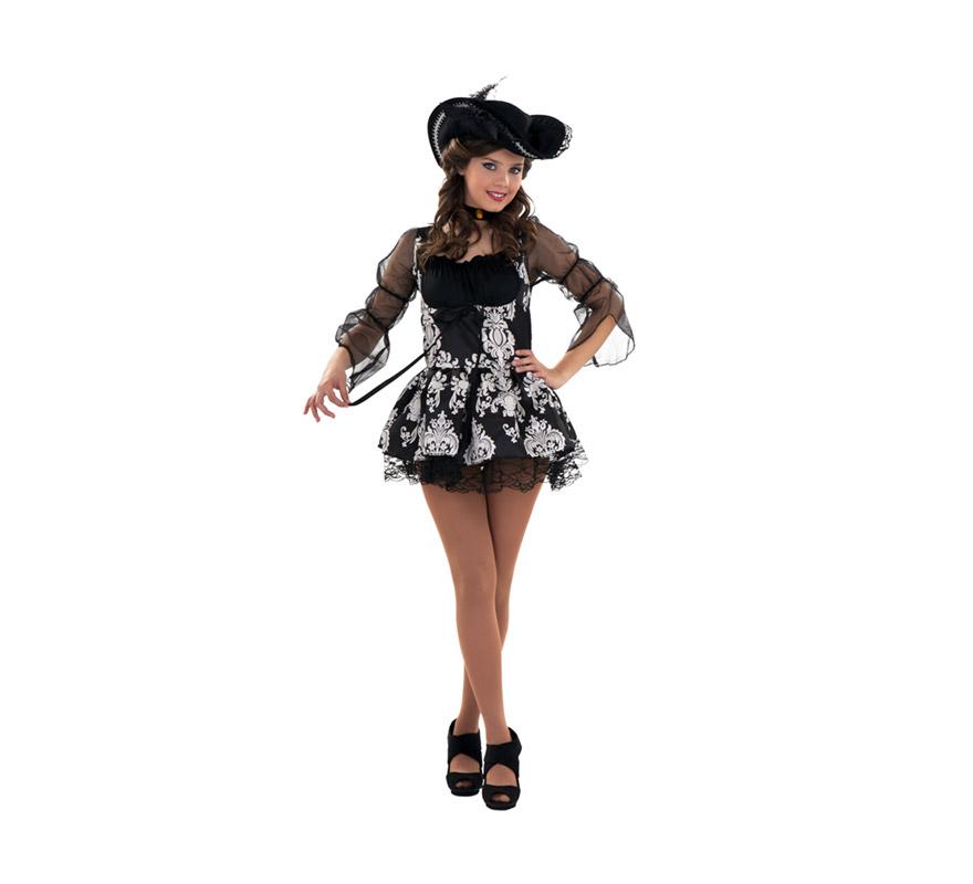 Disfraz barato de Lady Pirata para chicas. Talla S = 34/38 para chicas delgadas y adolescentes. Incluye sombrero, gargantilla y vestido. Talla pequeño, en caso de duda, recomendamos pedir la ref. 89890BT que es una talla M-L. Disfraz de Pirata Sexy para mujer. Éste disfraz sinceramente es precioso y hay gente que lo usa en Halloween con un buen maquillaje.  La pareja de éste disfraz es la ref. 89887BT de Lord Pirata.