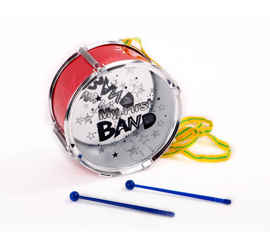 Tambor de 23 cm de diámetro con 2 palos. Ideal como complemento de tu disfraz de Músico.