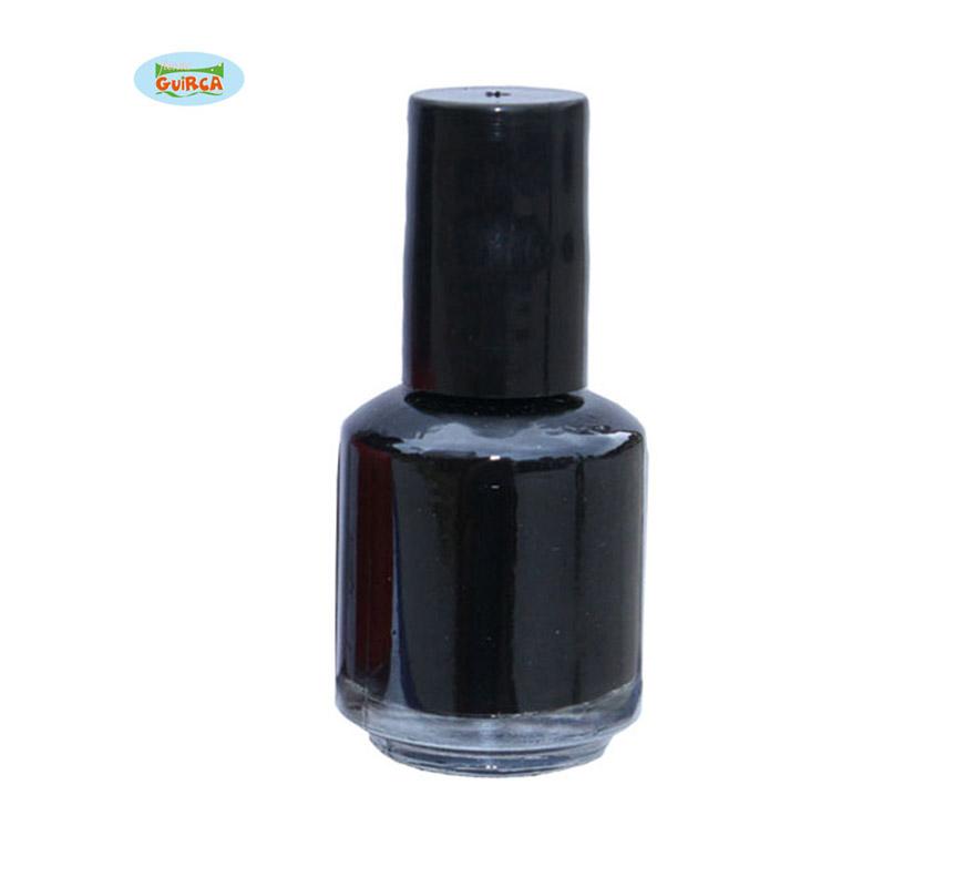 Laca de uñas o pintauñas de color negro.