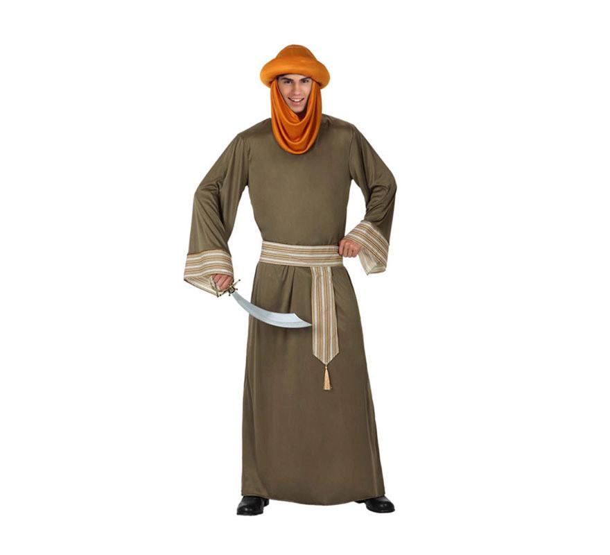 Disfraz de Berebere o de Árabe para hombre. Talla 2 o talla M-L = 52/54. Incluye túnica, fajín y turbante. La espada o sable la verás en la sección de Armas. Disfraz de Moro o de Musulmán. También puede servir como disfraz de Paje de los Reyes Magos.