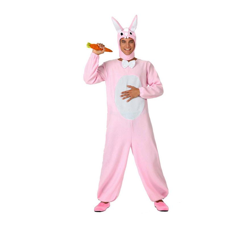 Disfraz de Conejo rosa para hombre. Talla 3 o talla XL = 54/58. Incluye mono y capucha. La zanahoria la podrás encontrar en la sección de Complementos. Este disfraz se podría combinar con el disfraz de Zanahoria ref: 15397AT y quedaría muy gracioso para Grupos y Comparsas.