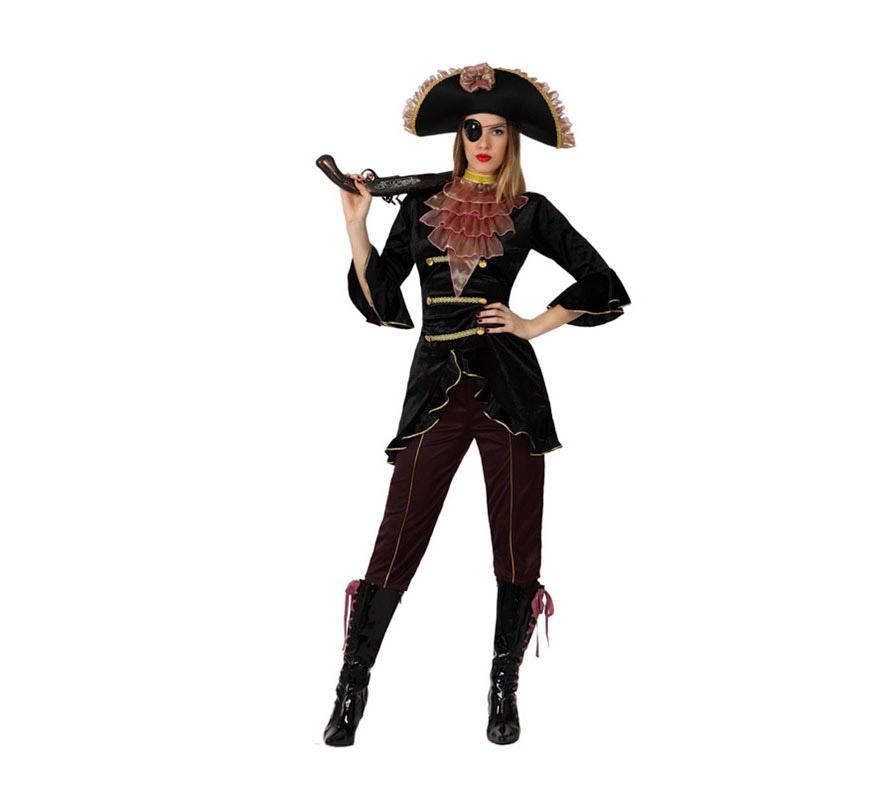 Disfraz de Pirata Elegante para mujer. Talla 2 o talla M-L = 38/42. Incluye pantalón, chaqueta, pecherín y sombrero. Trabuco NO incluido, lo podrás ver en la sección de Armas. Disfraz de Bucanera lujo para mujer.