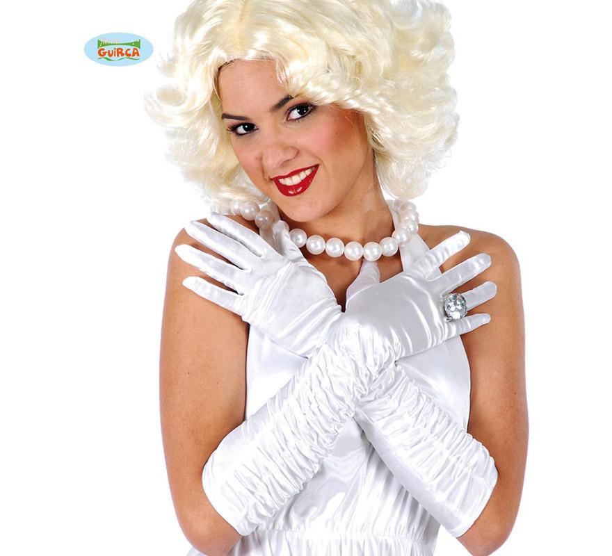 Guantes arrugados blancos.  Perfectos como complemento de los disfraces de Charlestón o de Marilyn.