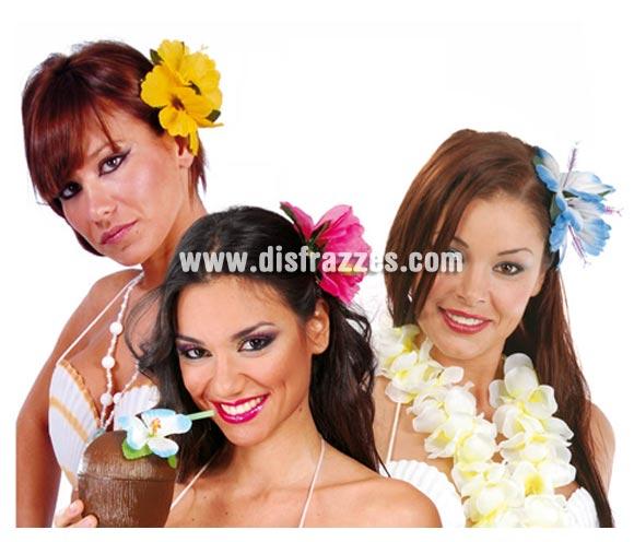Bolsa 2 flores de diferente color para el cabello Hawai. Disponible en varios colores, precio por bolsa de 2 uds. cada una de un color diferente. Perfectas para disfrazarse de Hawaiana en Verano y organizar una buena Fiesta.