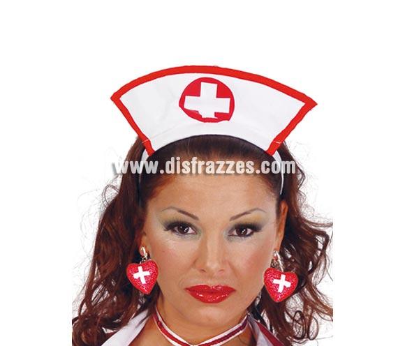 Pendientes de Enfermera.  Incluye sólo los pendientes, el collar lo podrás ver con la ref. 18036GUI.