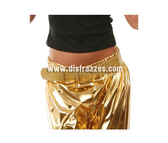 Cinturón o Correa de color oro. Ideal como complemento de los disfraces de los años 60, 70 y 80.