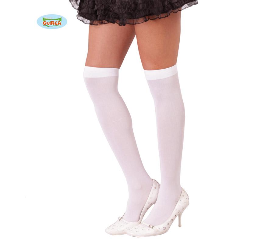 Calcetines o Pantys blancos.