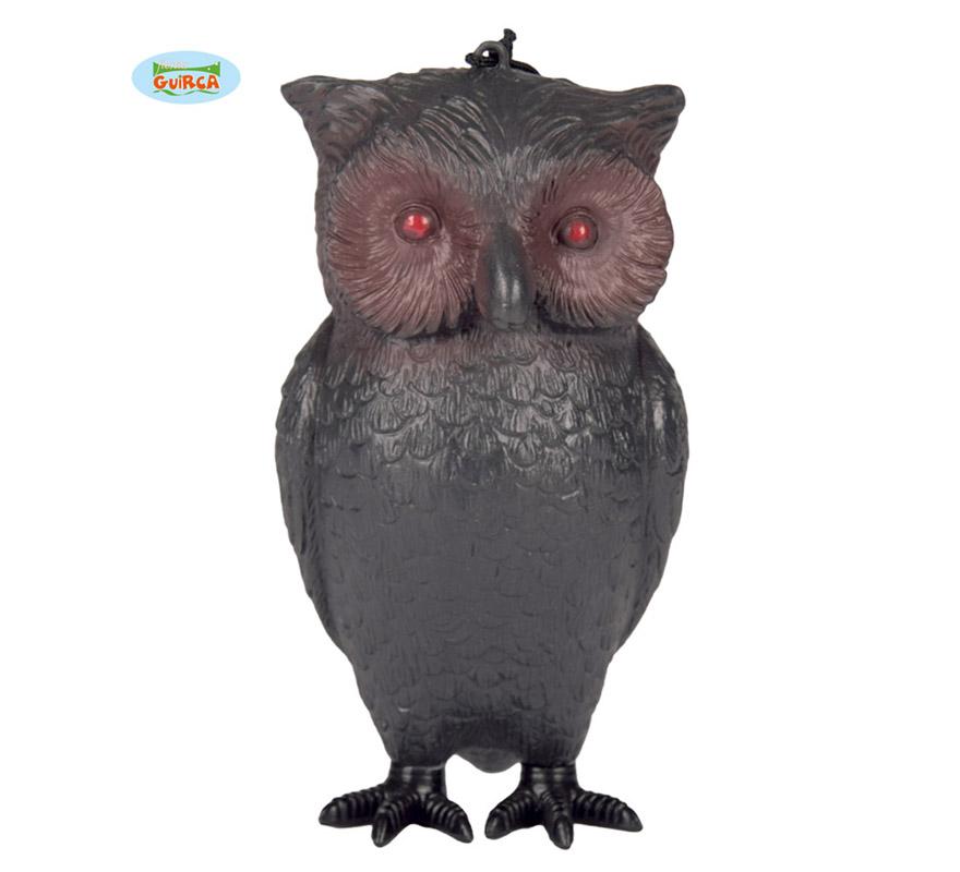 Búho decorativo para Halloween. Tmebién podría servir perfectamente como Complemento de algún disfraz, por ejemplo de Harry Potter. Mide unos 20 cm.