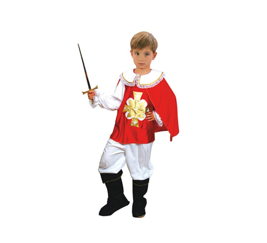 Disfraz barato de Mosquetero rojo infantil para Carnaval. Talla de 3 a 4 años. Incluye camisa con capa, pantalón y cubrebotas. Sombrero NO incluido, podrás verlo en la sección de Complementos.