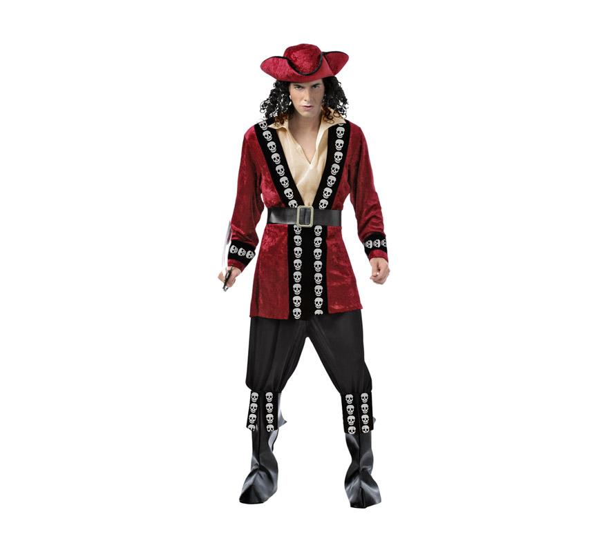 Disfraz barato de Capitán Pirata Deluxe para hombre. Talla M-L = 52/54. Incluye abrigo. pecherín, cinturón, cubrebotas, sombrero y cinturón. Espada NO incluida, podrás verla en al sección de Complementos.  La pareja de este disfraz es la ref: 69929BT.