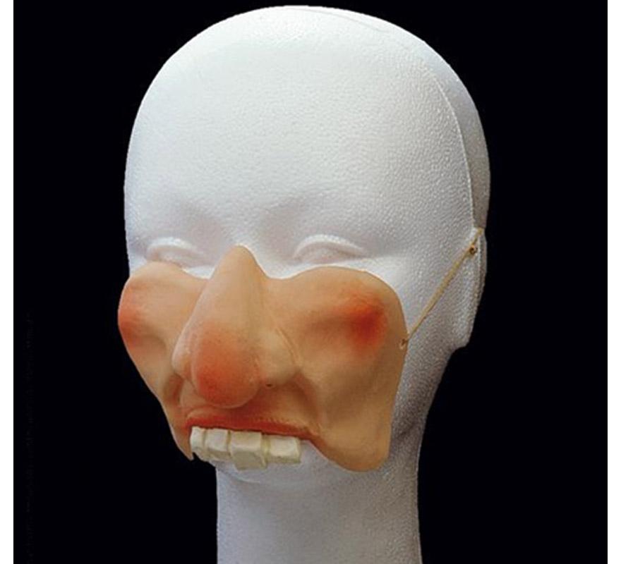 Moflete con nariz ancha.