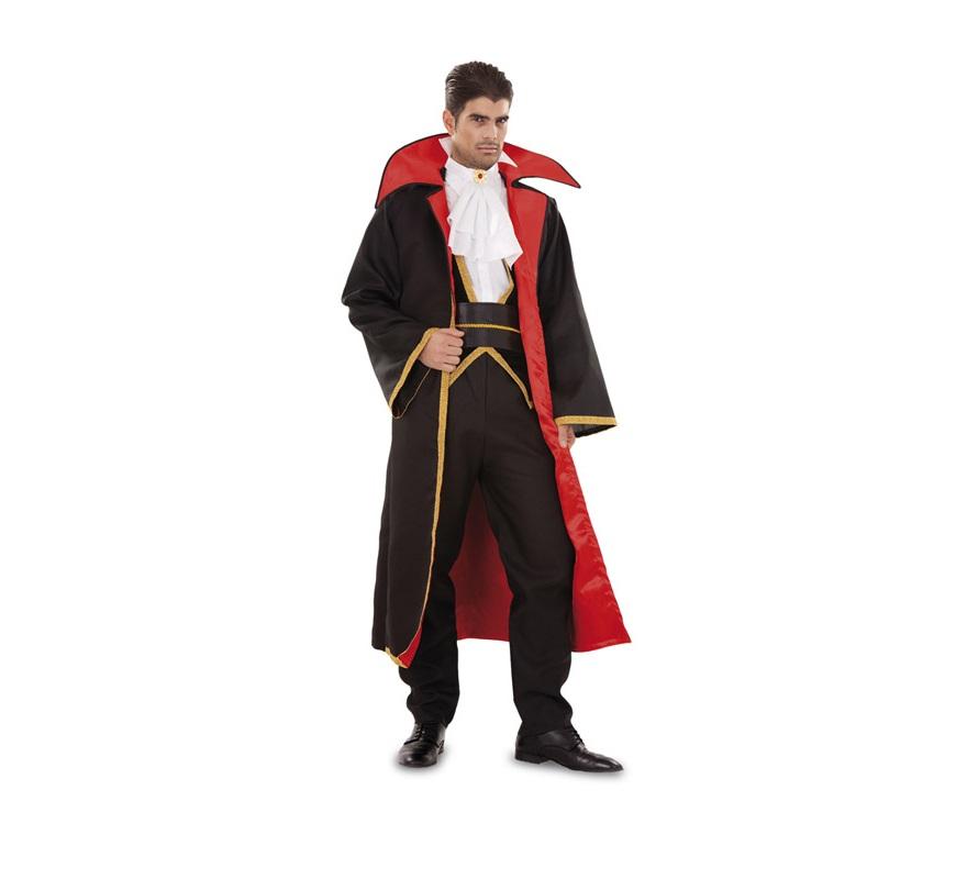 Disfraz de Conde Drácula para hombre. Talla Standar = 52/54. Incluye pechera, cuello, fajín, pantalón y abrigo. Disfraz de Vampiro de hombre.