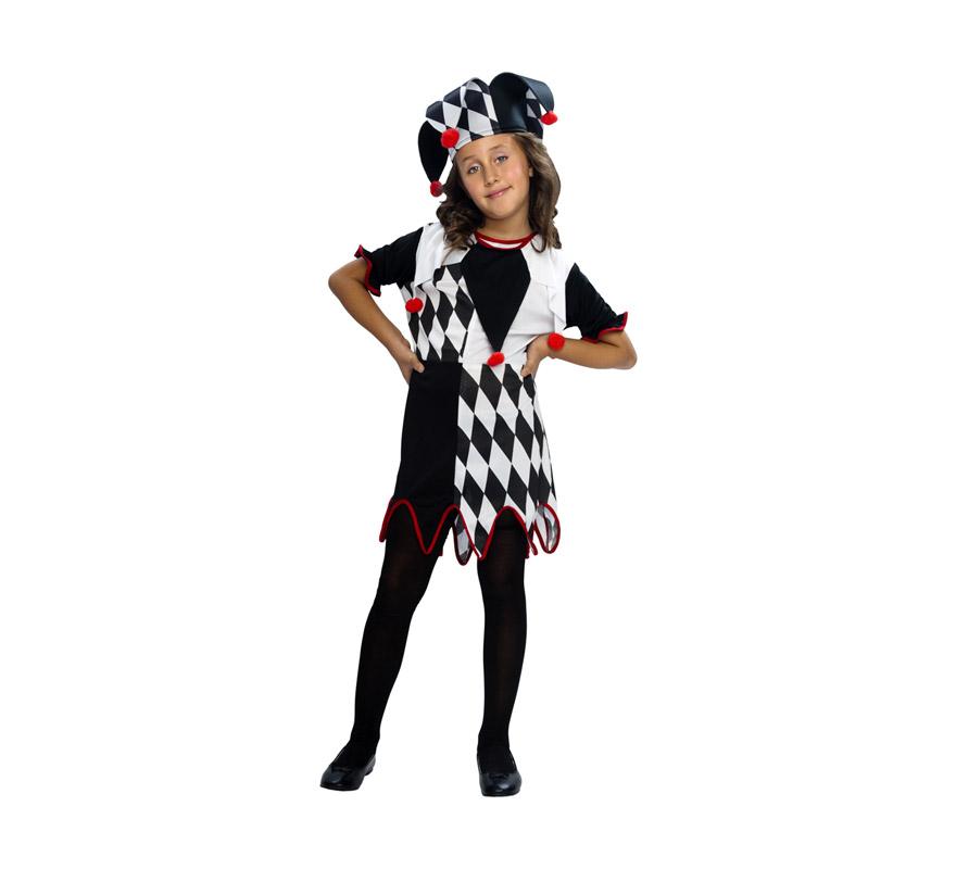 Disfraz barato de Arlequina para niñas de 5 a 6 años. Incluye vestido y sombrero. Éste traje que también puede decirse que es un disfraz de Bufón para niñas, es muy bonito y queda genial con un buen maquillaje.