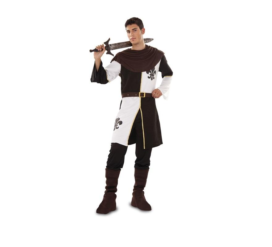 Disfraz de Duque de Lis para hombre. Talla Standar M-L 52/54. Incluye casaca, pantalón, cinturón, cubrebotas y capelina. Espada NO incluida, podrás verla en la sección de Complementos. Ideal como disfraz de Caballero Medieval o Guerrero Medieval para Fiestas o Mercado Medieval.