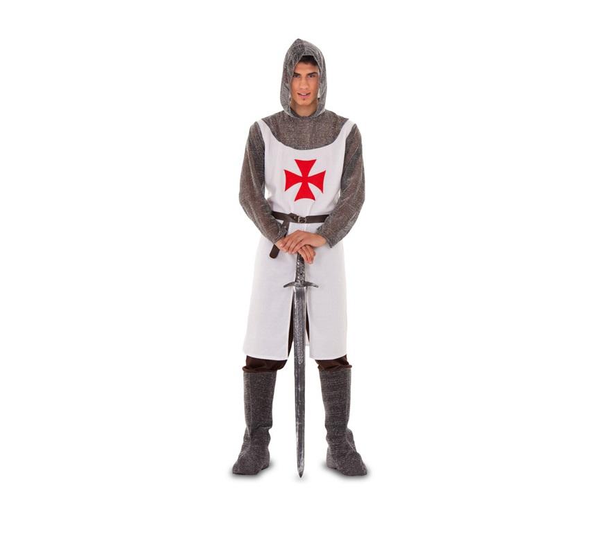 Disfraz de Caballero de Malta para hombre. Talla standar M-L = 52/54. Incluye casaca con capucha, pantalón con botas y cinturón. Espada NO incluida, podrás verla en la sección de Complementos. Ideal como disfraz de Caballero Medieval o Guerrero Medieval para Fiestas o Mercado Medieval.