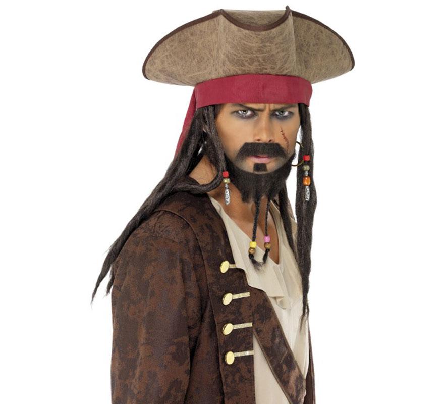 Sombrero Pirata Marrón con Rastas adornadas con cuentas. Complemento perfecto para nuestros disfraces de Piratas. Podría ser ideal para imitar el disfraz de Capitán Jack Sparrow de la genial película