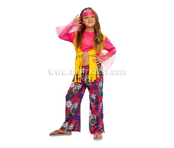 Disfraz de Hippie niña barato para Carnaval. Talla de 7 a 9 años. Incluye turbante, camisa con chaleco y pantalón. Colgante NO incluido. Podrás verlo en la sección de Complementos.