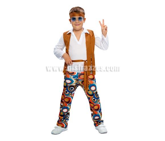 Disfraz de Hippie Niño barato para Carnaval. Talla de 5 a 6 años. Incluye cinta cabeza, camisa con chaleco, cinturón y pantalón. Gafas NO incluidas, podrás verlas en la sección de Accesorios.