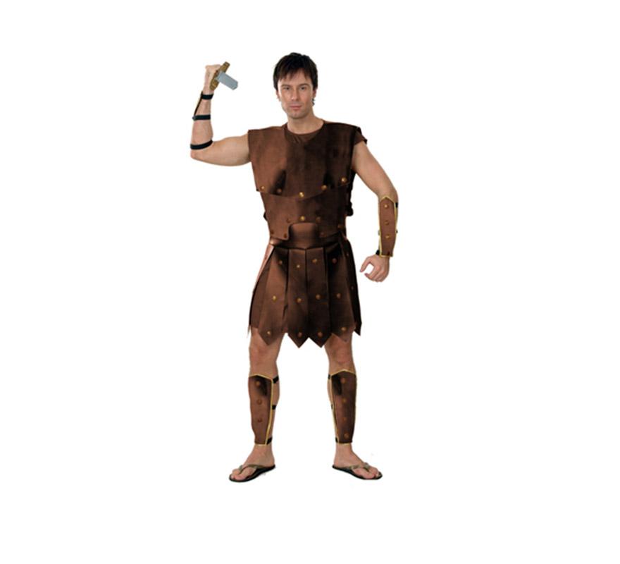Disfraz barato de Luchador o Guerrero para hombre. Talla standar M-L = 52/54. Incluye túnica, coraza textil, muñequeras y tobilleras. Espada NO incluida, podrás verla en la sección de Complementos. También podría llamarse disfraz de Gladiador Romano para hombre.